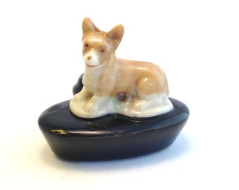 Wade Whimsie Zoo Lights: Corgi with Black Candle Holder 1957-60