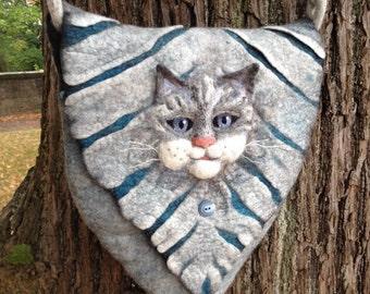 felt shoulder bag with cat motif
