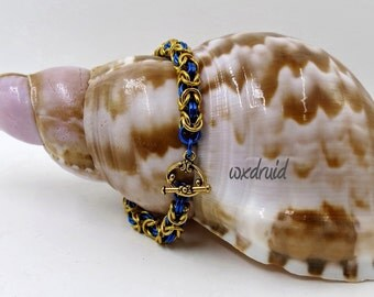 Chainmaille Bracelet, Handmade Gold and Blue Anodized Aluminum Byzantine Chainmail Bracelet