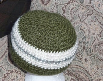 Simple stripes Green toned crochet beanie hat