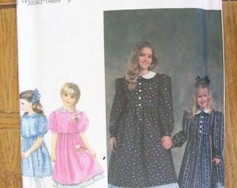 Simplicity 8688, Child's Dress, Girl's Dress