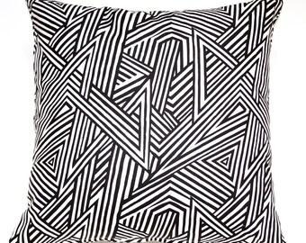 Throw Pillow - Black and White Zig Zag