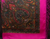 Russian shawl. Ukrainian Hustka. PINK Platok Babushka. Folk Scarf. Ethnic Babushka. SHAWL abstract chale russe, scialle fiori, manton