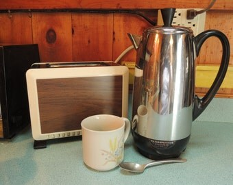 Farberware 12 cup Percolator, Super fast Fully automatic, Vintage, Excellent condition, in working order