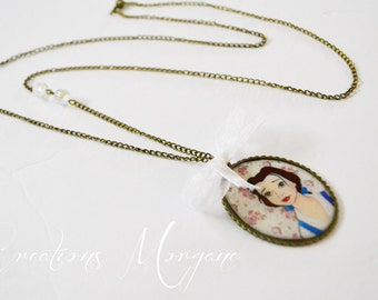 Long necklace resin pendant Belle with bow