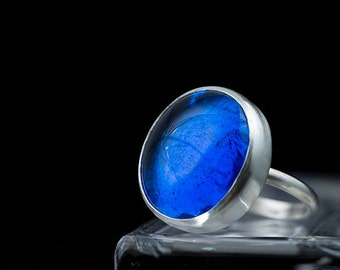Sterling silver ring with cobalt blue pastille glass