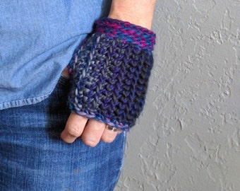 Purple Gloves / Fingerless Gloves / Crochet Glove / Fingerless Mitten