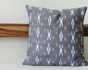 Grey and white Ikat Print cushion cover, Decorative Pillow covers, Ikat Pillow cover, throw pillow