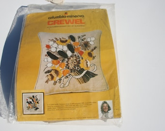 Vintage Crewel Embroidery Stitch Kit, 1970s 70s Pillow Kit, Cheerie Dried Flower Pillow