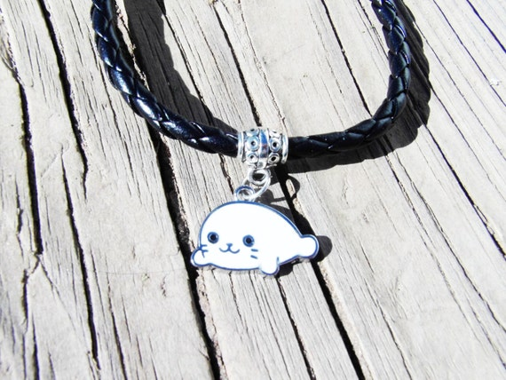 Black Faux leather Charm Bracelet with Baby Seal Charm, Baby Seal Jewelry, Faux Leather Jewelry, Animal lover Jewelry, Animal Lover Gifts