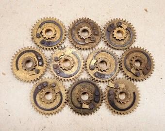 Brass Clock Gears - Steampunk Jewelry Findings - set of 10 - G76