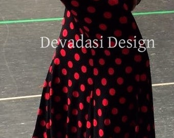 The Flaming Trumpet Skirt, size L, viscose jersey in black with red polkadots