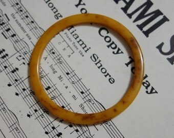 Vintage BAKELITE Bracelet marbled butterscotch Bangle stacking