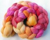 BFL Wool Roving - Handpainted Spinning Fiber -   5.3 oz.  Nr. 682