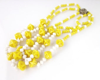 Glass beads mussel necklace