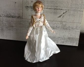 Princess Diana Doll Porcelain - Princess Diana Lady Di Collectible Doll - Vintage Manorville  Doll - Porcelain Doll Collector - Memorabilia