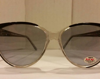 Vintage Sunglasses - mid-sized Clear Black sunglasses Foster Grant
