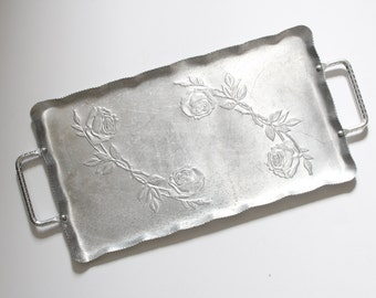Vintage Shabby Chic Aluminum Metal floral tray with Roses / Vintage tray / Vintage Metal Tray