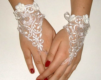 fingerless gloves/ bridal gloves/ wedding gloves/ lace gloves/ victorian bridal gloves/ ivory wedding gloves/ damlace gloves.