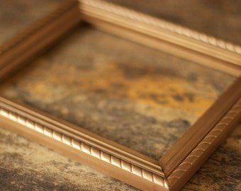 Antique Gold 8x10 Frame with Rope Design