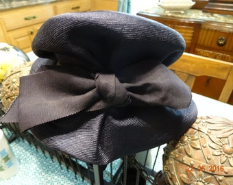 Vintage deep navy blue cloche hat, circa 1920's to 1930's