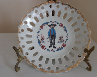 Vintage Amish Decorative Plate With Cut Outs & Gold Trim By Brinn's, Made In Japan - Amish Plates - Amish Decor - Vintage Plates