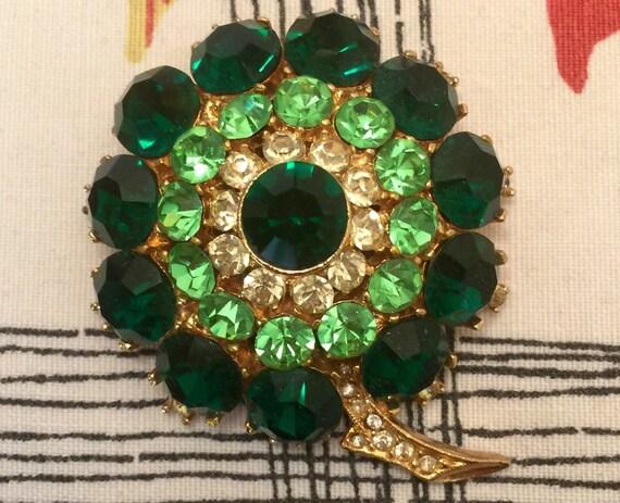 1960s big brooch bold green glass Sphynx jewellery clover leaf Pop Mod midcentury badge vintage gift gold metal