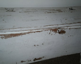 Farmhouse Bench / white distressed / black distressed