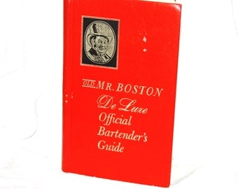 Vintage Copy of Old Mr. Boston De Luxe Official Bartenders Guide 1971 Edition