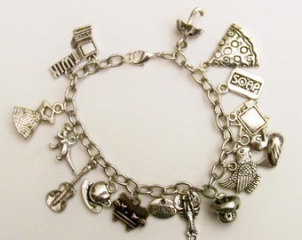 Friends TV show inspired charm bracelet, TV Shows, Friends Fan, Joey, Phobe, Rachael, Ross, Chandler, Monica, smelly  cat, TV themed