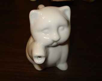 Cat Kitten Small White Cat Creamer Pitcher