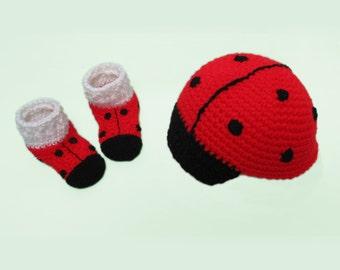 So cute!  Ladybug Hat, Ladybug Baby Booties