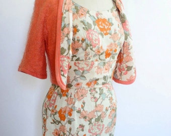 1950s wiggle dress floral madmen style