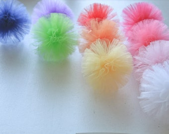 Small Tulle Pom Poms - Set of 4