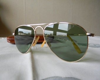 True Vintage Rare SHUR ON  Ful Vue 1/10-12KGF  52 mm  True Green Anti glare Sunglasses.Made in the USA. Mint *****