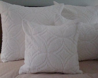 "White Chenille Pillow Cover With Wedding Ring Design for 20"" Pillow Insert"