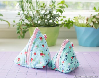 Sewing Pattern PDF - Coin Pouch Pattern, Triangle Zipper Bag Pattern, Coin Pouch Sewing Pattern, Quilted Zipper Pouch, Two Sizes Included