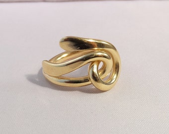 gold ring hammered ribbon link