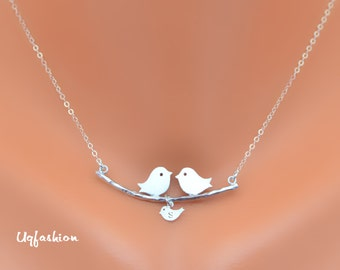 loving bird necklace, mothers necklace, personalized, monogram necklace, family fecklace, mothers jewelry, name necklace, gift for her