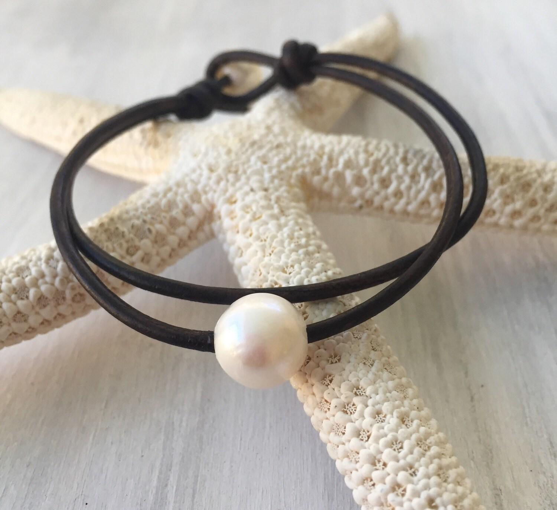 leather pearl bracelet pearl bracelet leather bracelet. Black Bedroom Furniture Sets. Home Design Ideas