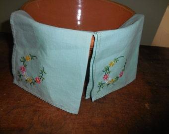 2 Vintage Embroidered Handkerchiefs Pastel Green
