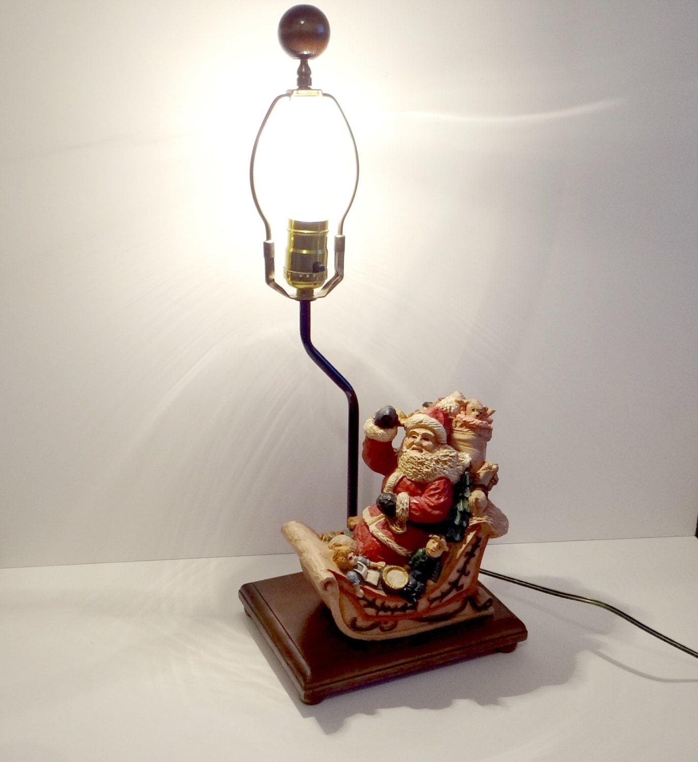 Vintage Santa Claus In Sleigh Christmas Table Lamp 1970s Home