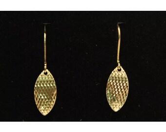Gold platef Leaf rhombus earrings