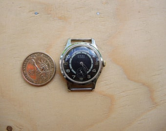 Soviet Vintage Serviced Mechanical Wrist Watch Majak Pchz Petrodvoretz like Pobeda Raketa / USSR era 1960 watch / Hi-Grade 16 J movement /