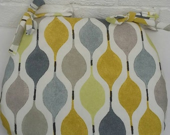Tie on Seat Pad, Chair Cushions, garden chairs, dining room, kitchen chairs, d-shaped cushion, bespoke sizes, retro kitchen, verve yellow