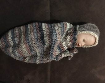 Crochet cocoon and knitted bonnet