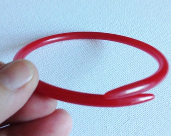 Bangle - Funky handmade vintage translucent cherry red early plastic double ended knitting needle bangle - internal diameter is 70mm