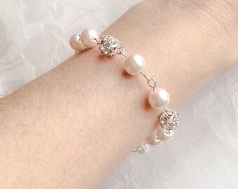 Light Peach Pearl Bracelet & Earrings Set Pearl Jewelry Pink Pearl Bracelet Bridesmaid Gift Wedding