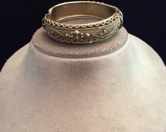 Vintage Goldtone Hinged Bangle Bracelet