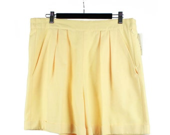 Vintage 80s 90s Pale Yellow Pleated Shorts